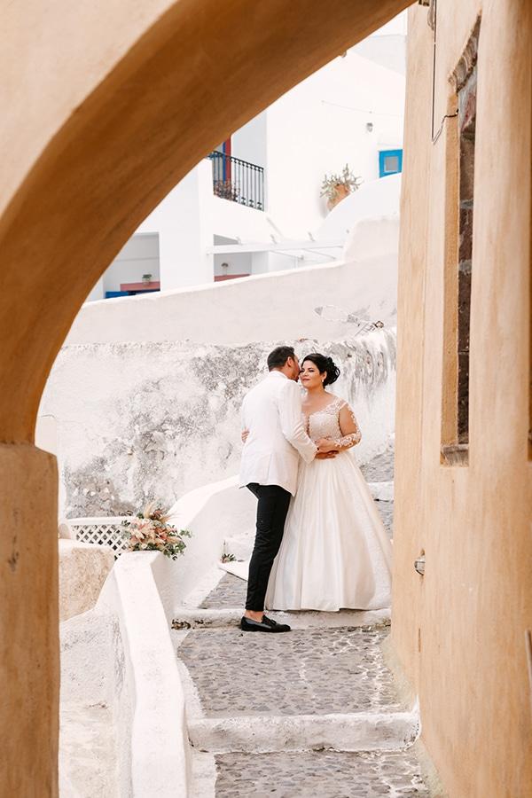 incredible-florals-fall-wedding-santorini_24x