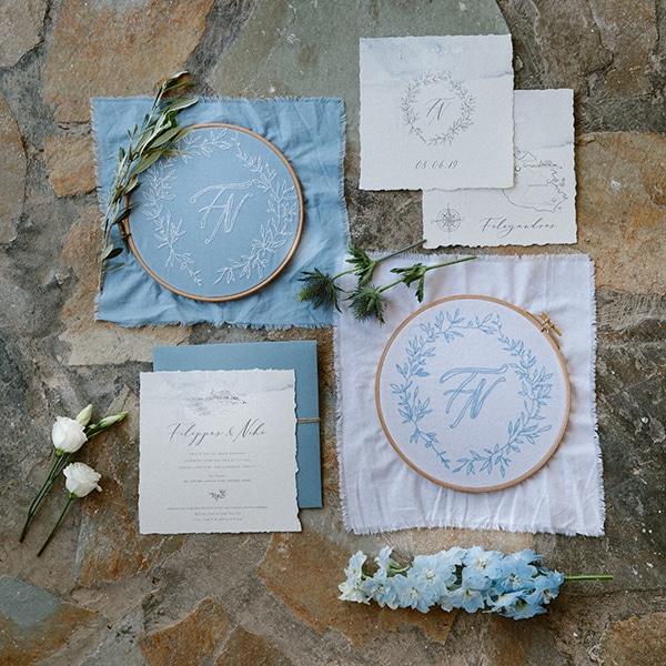 romantic-summer-wedding-folegandros-dusty-blue-accents_05