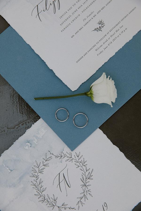 romantic-summer-wedding-folegandros-dusty-blue-accents_07