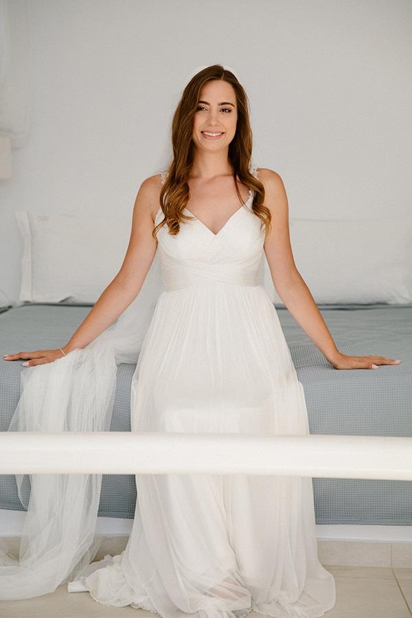 romantic-summer-wedding-folegandros-dusty-blue-accents_09