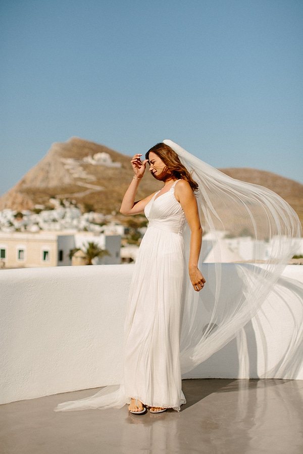romantic-summer-wedding-folegandros-dusty-blue-accents_10