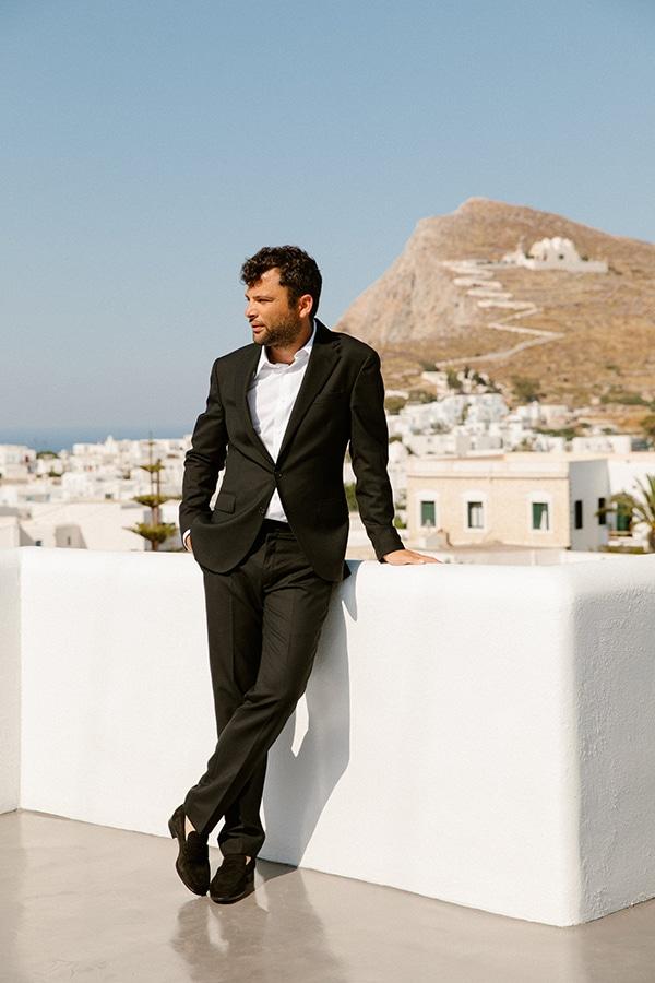 romantic-summer-wedding-folegandros-dusty-blue-accents_15