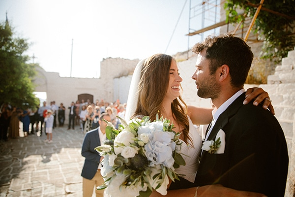 romantic-summer-wedding-folegandros-dusty-blue-accents_18