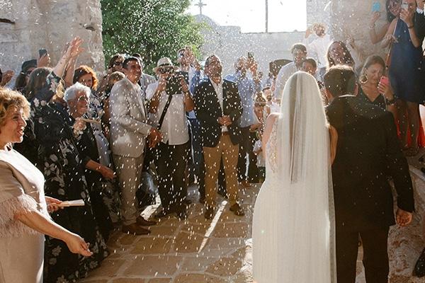 romantic-summer-wedding-folegandros-dusty-blue-accents_28