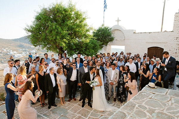 romantic-summer-wedding-folegandros-dusty-blue-accents_32