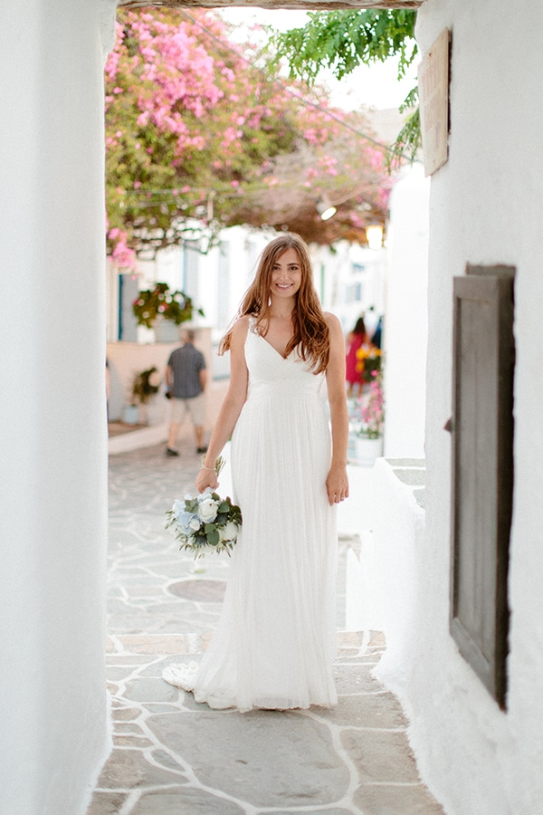 romantic-summer-wedding-folegandros-dusty-blue-accents_43