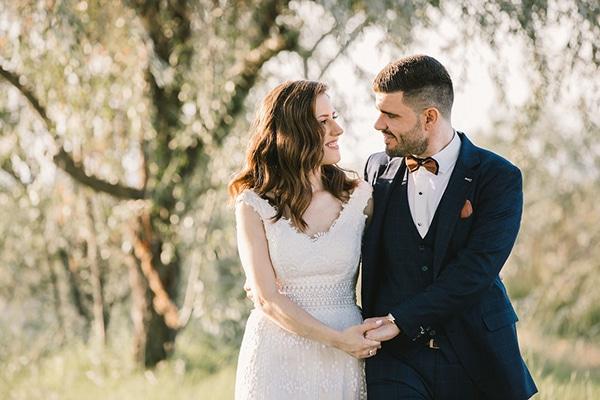 Ρομαντικός καλοκαιρινός γάμος στην Θεσσαλονίκη με παστέλ αποχρώσεις και χρυσές λεπτομέρειες | Ιωάννα & Θεόφιλος