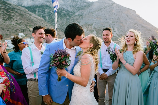 rustic-beach-wedding-sifnos-blue-green-accents_01