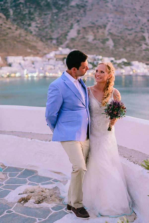 rustic-beach-wedding-sifnos-blue-green-accents_04