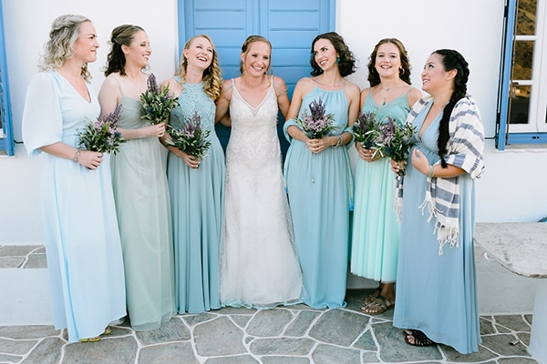 rustic-beach-wedding-sifnos-blue-green-accents_10