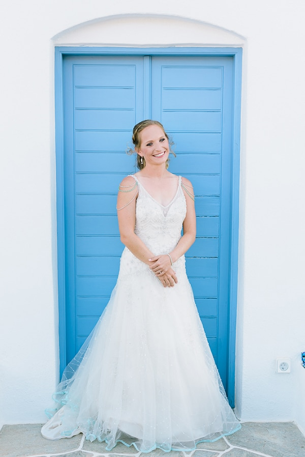 rustic-beach-wedding-sifnos-blue-green-accents_12