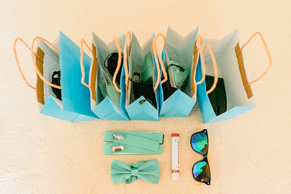 rustic-beach-wedding-sifnos-blue-green-accents_14