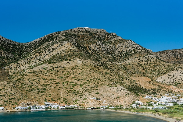 rustic-beach-wedding-sifnos-blue-green-accents_20