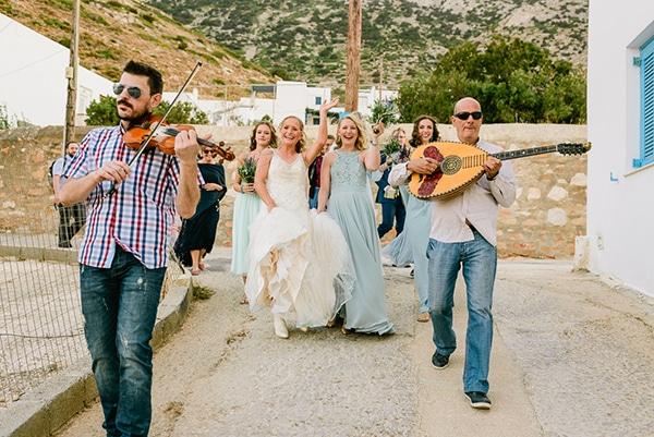 rustic-beach-wedding-sifnos-blue-green-accents_21