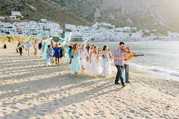 rustic-beach-wedding-sifnos-blue-green-accents_23