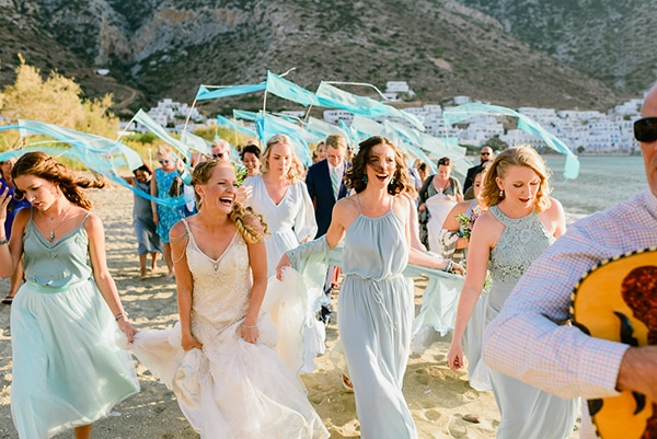rustic-beach-wedding-sifnos-blue-green-accents_24