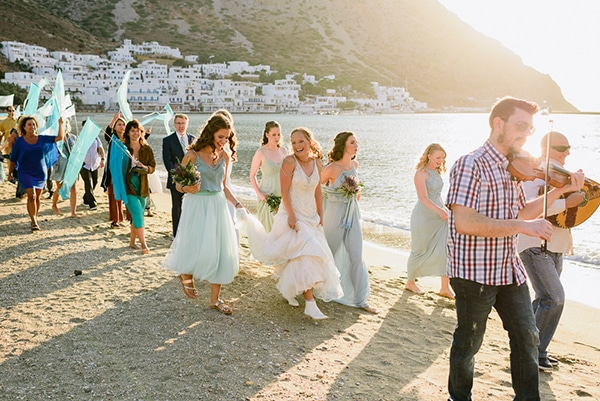 rustic-beach-wedding-sifnos-blue-green-accents_25