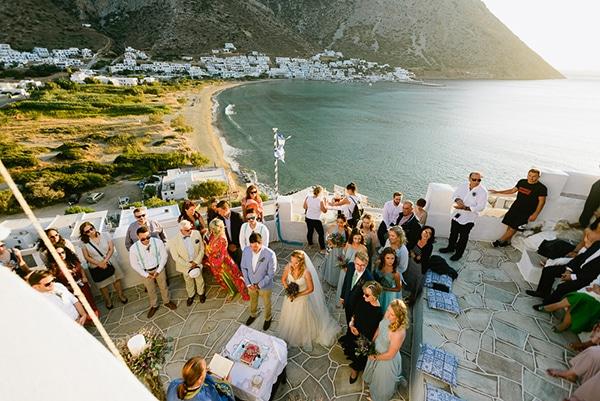 rustic-beach-wedding-sifnos-blue-green-accents_34