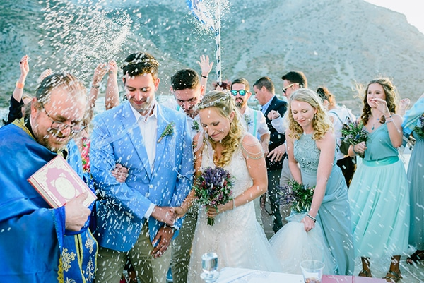 rustic-beach-wedding-sifnos-blue-green-accents_39