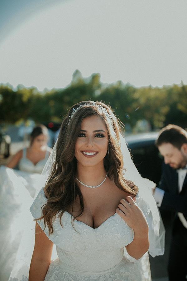 rustic-wedding-nicosia-string-lights-vivid-colors_01