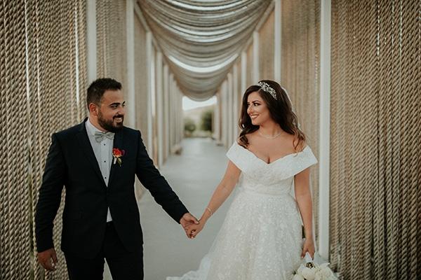 rustic-wedding-nicosia-string-lights-vivid-colors_03