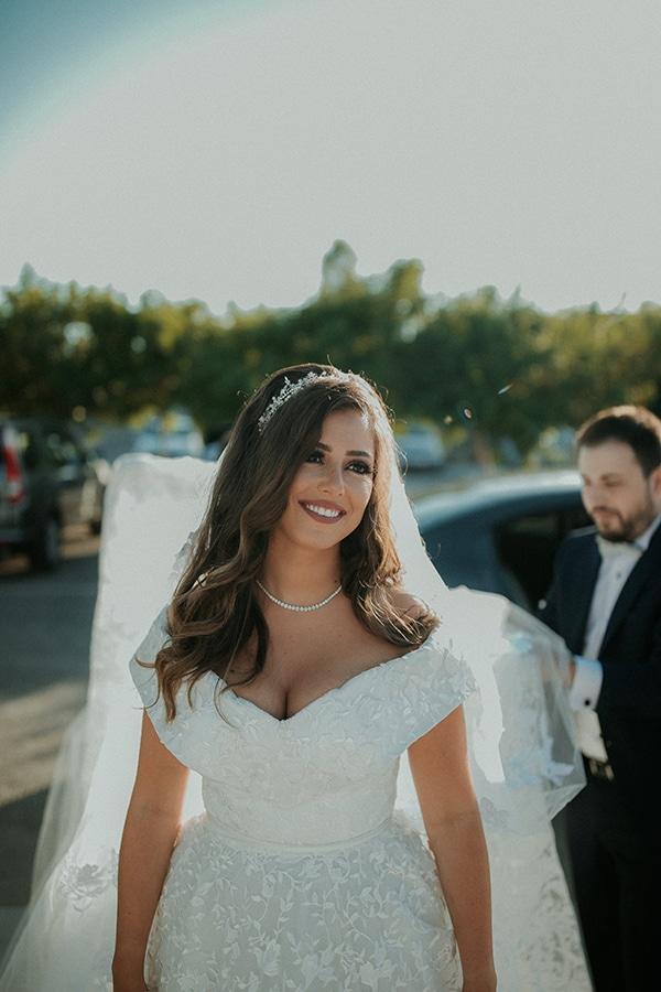 rustic-wedding-nicosia-string-lights-vivid-colors_13