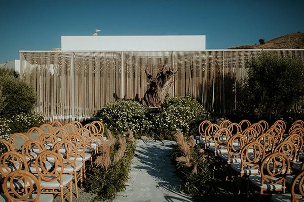 rustic-wedding-nicosia-string-lights-vivid-colors_15