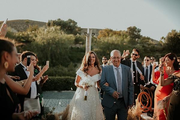 rustic-wedding-nicosia-string-lights-vivid-colors_27
