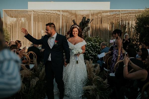 rustic-wedding-nicosia-string-lights-vivid-colors_36