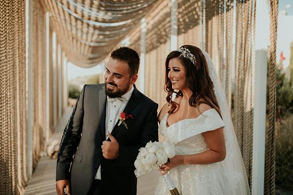rustic-wedding-nicosia-string-lights-vivid-colors_38