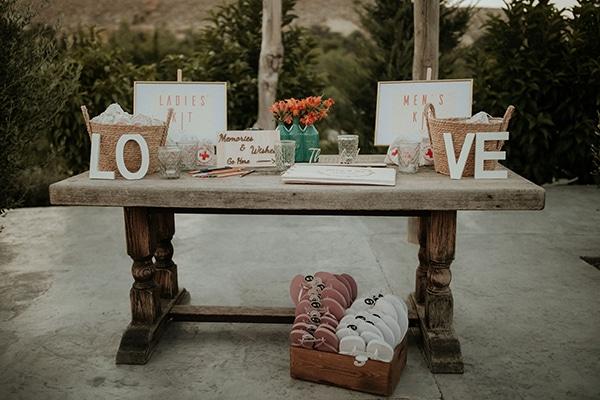 rustic-wedding-nicosia-string-lights-vivid-colors_45