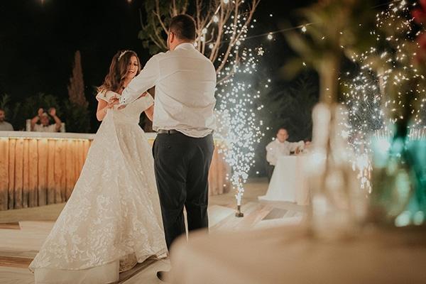 rustic-wedding-nicosia-string-lights-vivid-colors_56