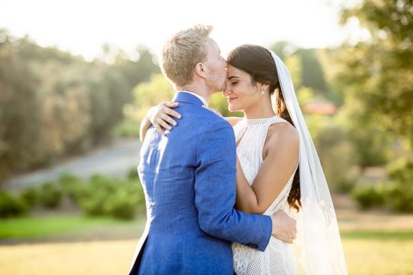 Ρομαντικος καλοκαιρινος γαμος στην Παφο με λευκα ανθη και παχυφυτα | Natalie & Bram