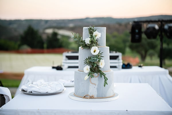 summer-wedding-paphos-white-flowers-succulents_26
