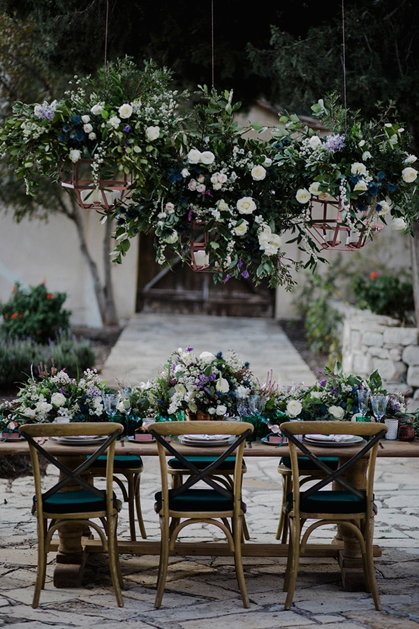 wedding-decoration-ideas-with-hanging-flowers_02.