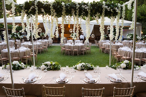 wedding-decoration-ideas-with-hanging-flowers_03.