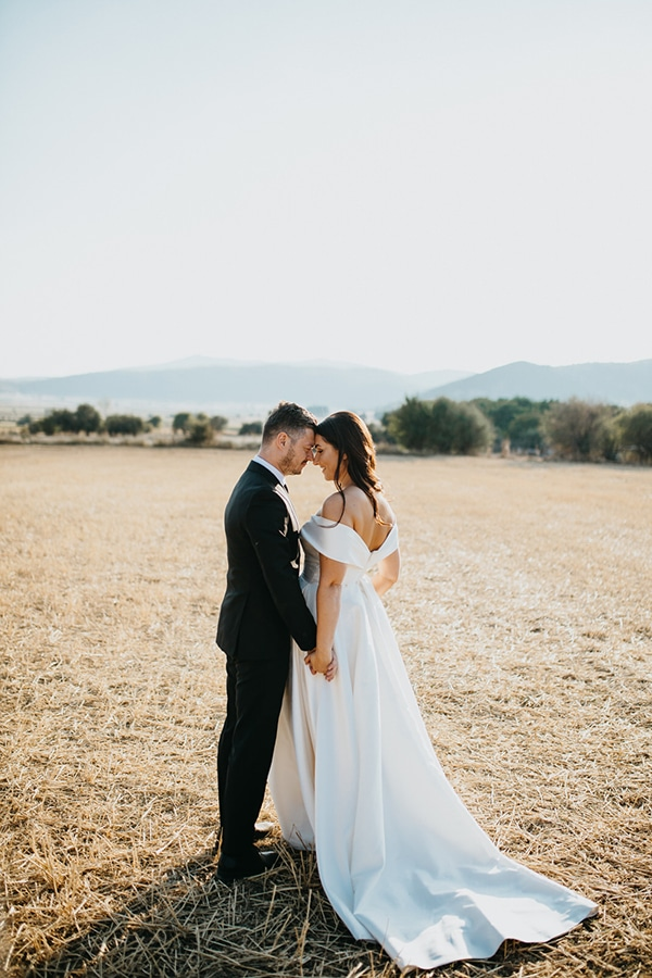 beautiful-fall-wedding-larissa-bohemian-flair_01x