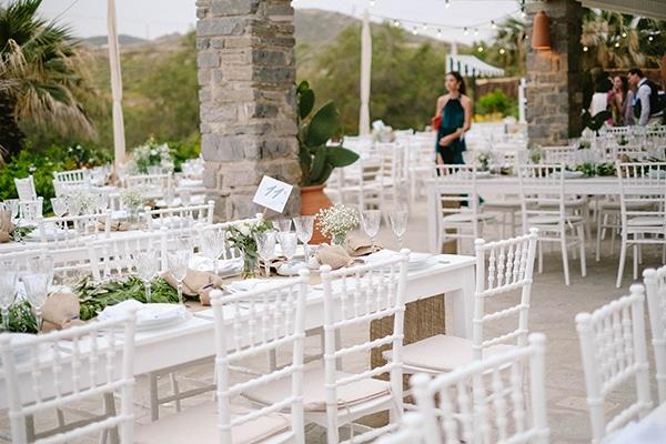 beautiful-summer-island-wedding-decoration-ideas-burlap-white-flowers_01