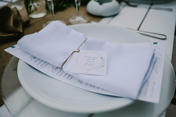 beautiful-summer-island-wedding-decoration-ideas-burlap-white-flowers_06x