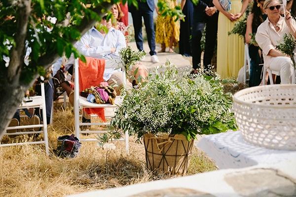 beautiful-summer-island-wedding-decoration-ideas-burlap-white-flowers_08