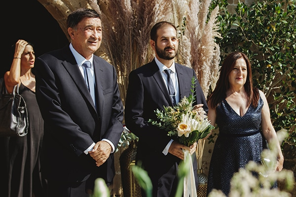 bohemian-fall-wedding-nicosia-pampas-grass-protea_20