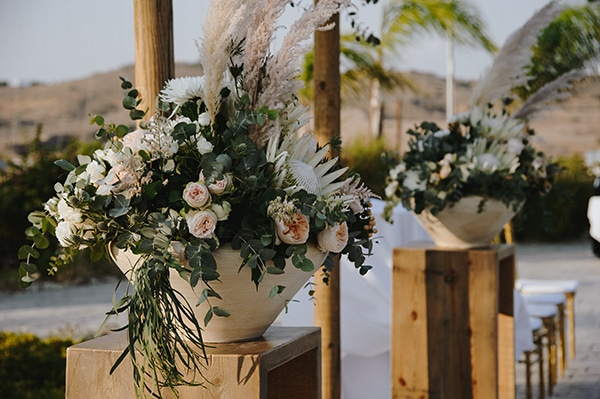 bohemian-fall-wedding-nicosia-pampas-grass-protea_30