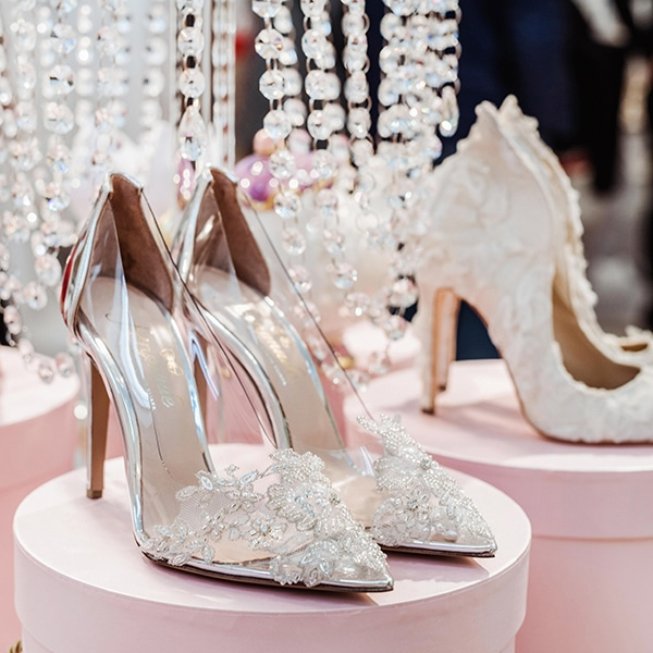 dreamy-bridal-shoes-glamorous-bridal-look_01