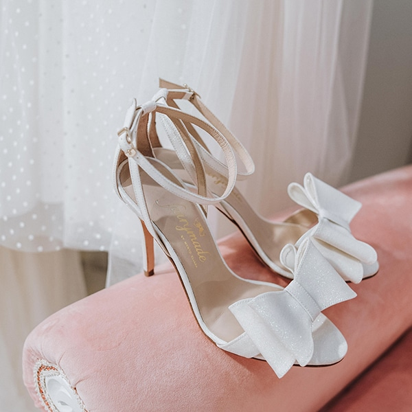 dreamy-bridal-shoes-glamorous-bridal-look_05x
