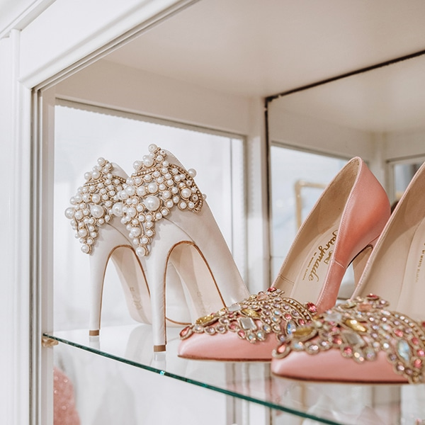 dreamy-bridal-shoes-glamorous-bridal-look_06x