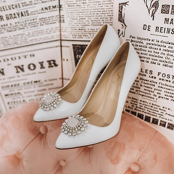 dreamy-bridal-shoes-glamorous-bridal-look_07x