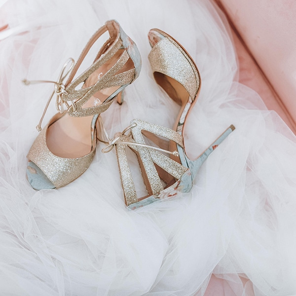 dreamy-bridal-shoes-glamorous-bridal-look_08
