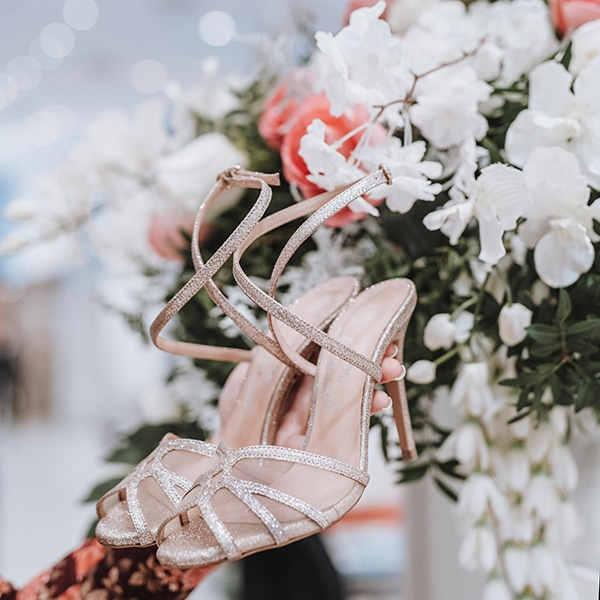 dreamy-bridal-shoes-glamorous-bridal-look_11