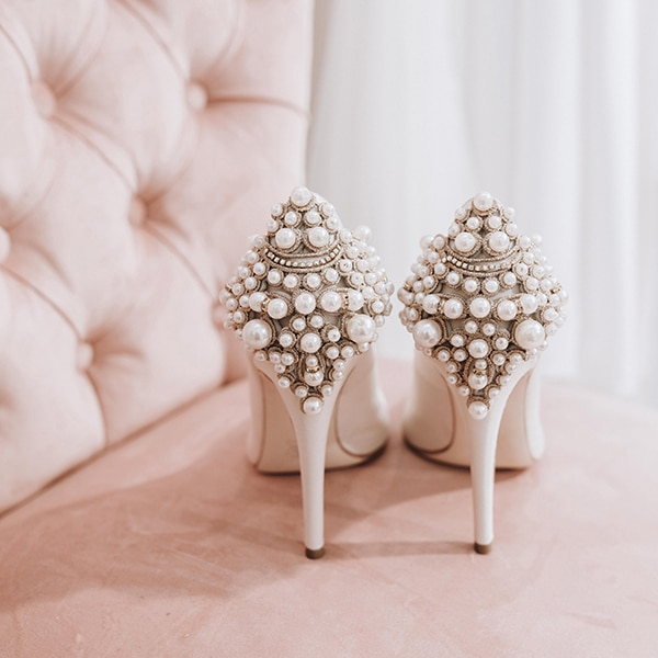 dreamy-bridal-shoes-glamorous-bridal-look_11x