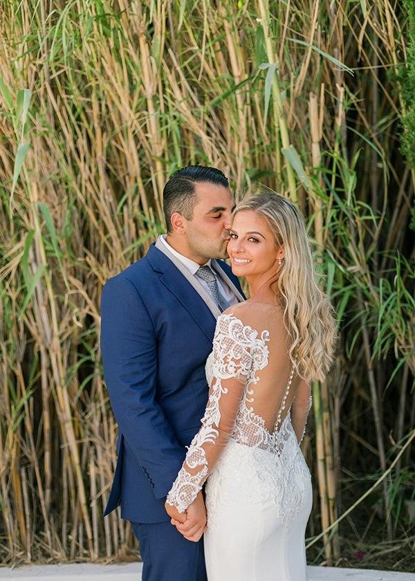 dreamy-elegant-wedding-athens-white-flowers-fairy-lights_01x